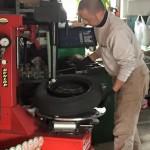 タイヤ交換画像