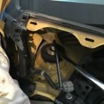 車体を上げる前に、アッパー部のナットを緩めておいた方が良いですね。