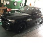 BMW/X1にナビの取付け作業です。当店のホームページを見て、お問い合わせを頂き御購入頂きました。ありがとうございます。